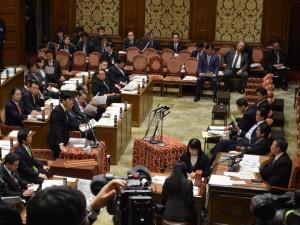 20150204_予算委員会質疑_02
